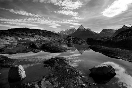 Walk (Patagonia & Atacama)